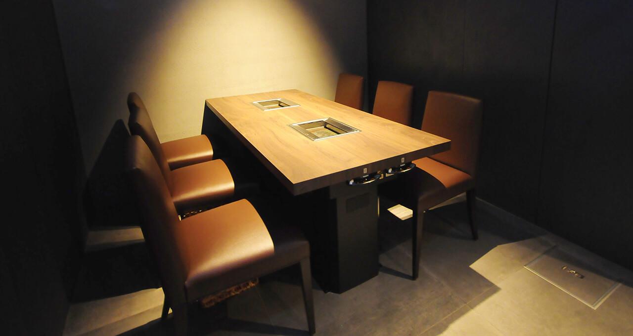 6名席(テーブル席)
